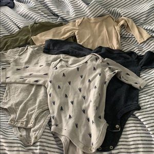 Lots of 6/9 month clothes